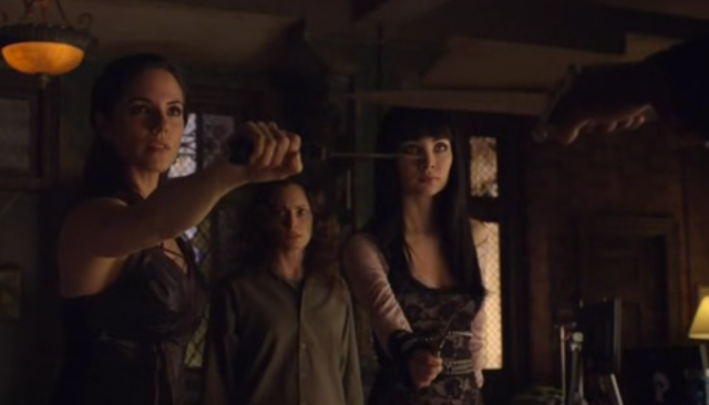 Speaking of even odds, the knife the guard draws when he runs into the clubhouse is about 6 inches, the same length as Kenzi and Bo's knives. Lost Girl, you and your phallic weapon imagery!