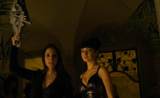 Lost Girl: Season 2, Episode 17, The Girl Who Fae'd With Fire |