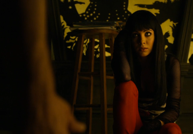 Kenzi got the best outfits and framing in an episode full of great outfits and framing.